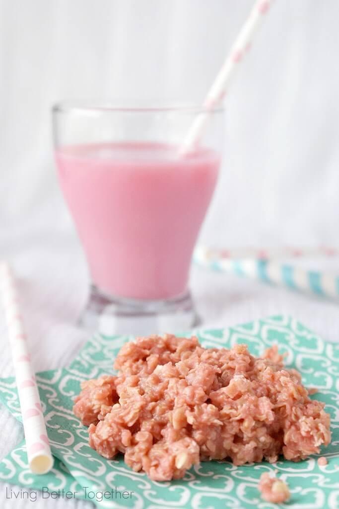 Strawberry Milk No Bake Cookies | http://homemaderecipes.com/course/desserts/10-no-bake-cookie-recipes/