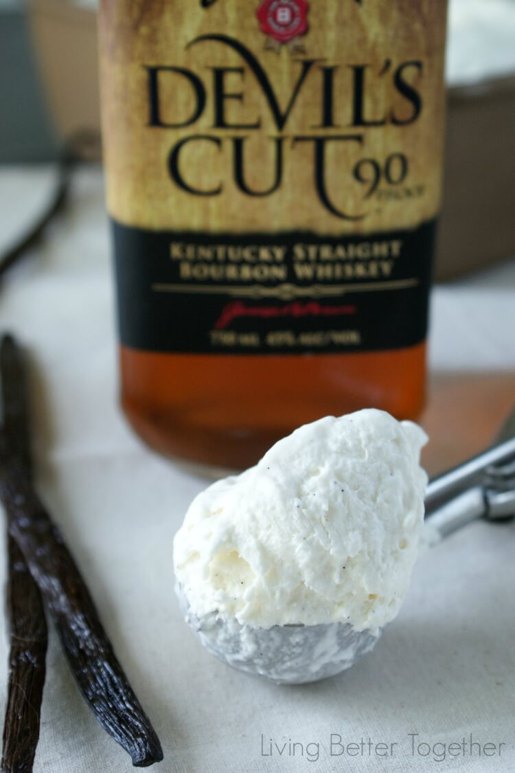 Bourbon & Vanilla Bean No Churn Ice Cream | www.sugarandsoul.co