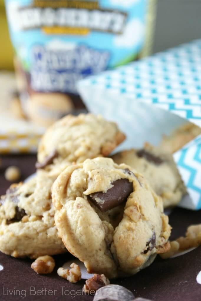 Chunky Monkey Pudding Cookies | www.sugarandsoul.co