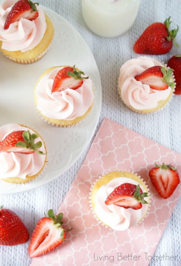 Strawberries & Cream Cupcakes | www.sugarandsoul.co
