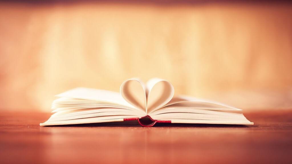 mood-book-heart-love-hd-wallpaper