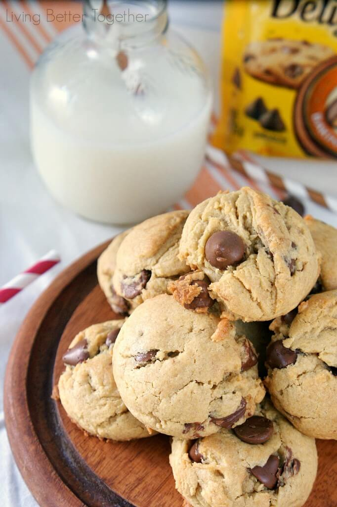 Peanut Butter Chocolate Chip Pudding Cookies | Living Better Together
