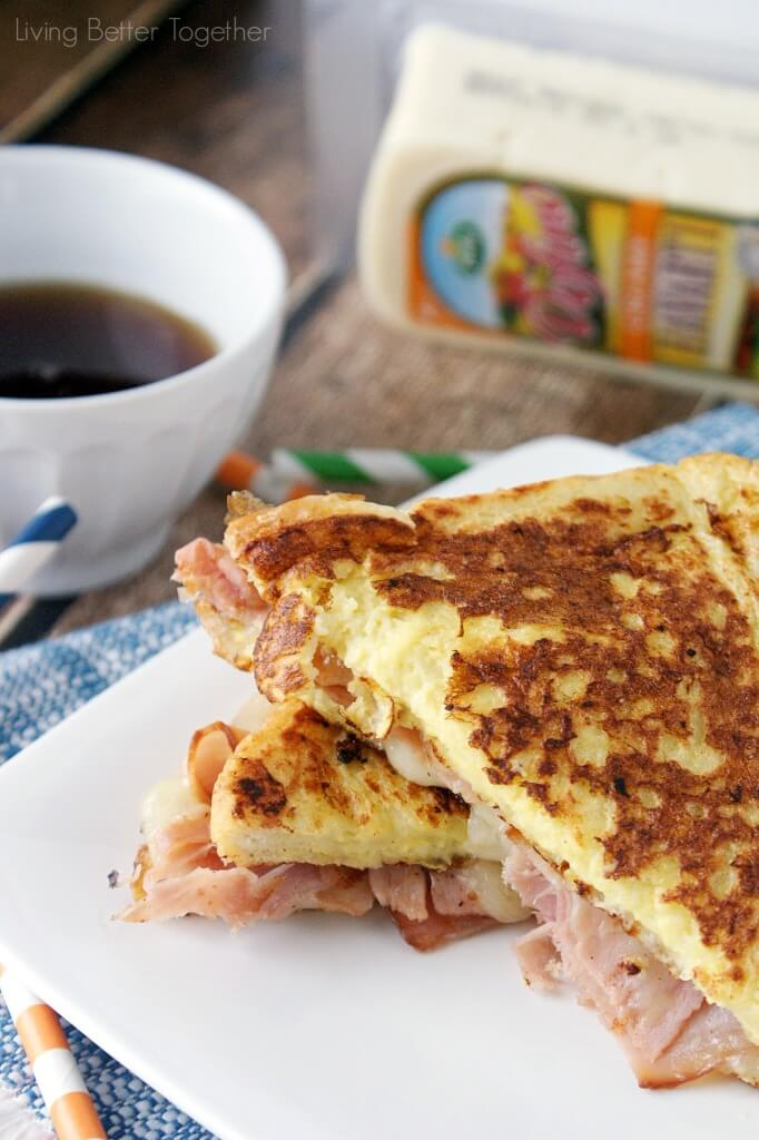 This Havarti Monte Cristo it the perfect quick breakfast this holiday season! With Arla's Creamy Havarti and shaved ham sandwiched between two pieces of french toast and dipped in maple syrup, what's not to love!  #HavartiHolidays