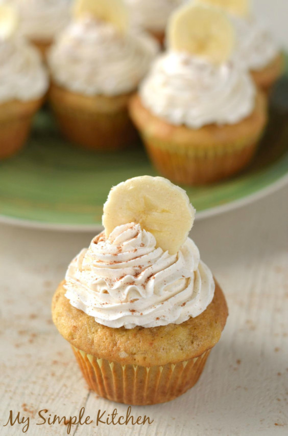 Banana-Cupcakes-with-Honey-Cinnamon-Frosting1-678x1024