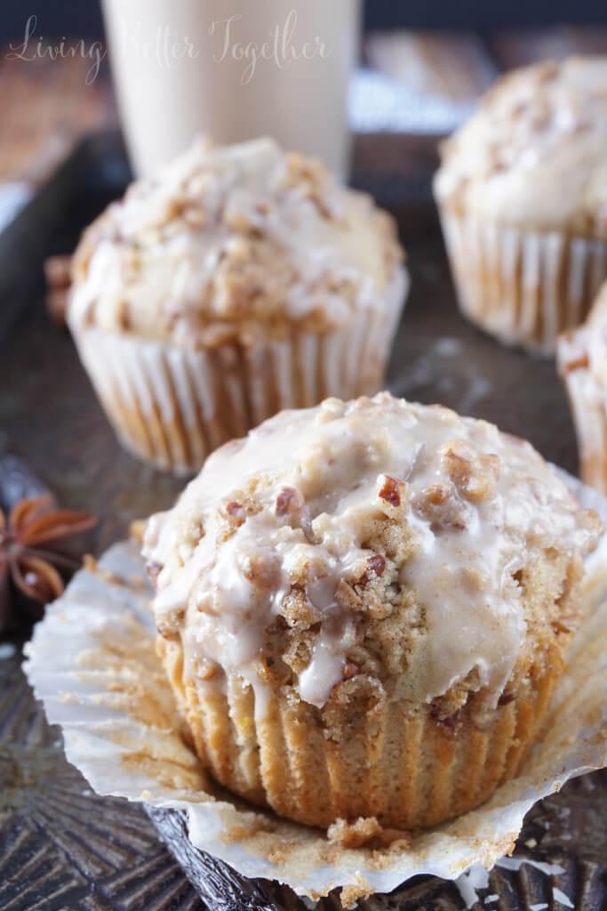 vanilla-chai-crumble-muffins-14