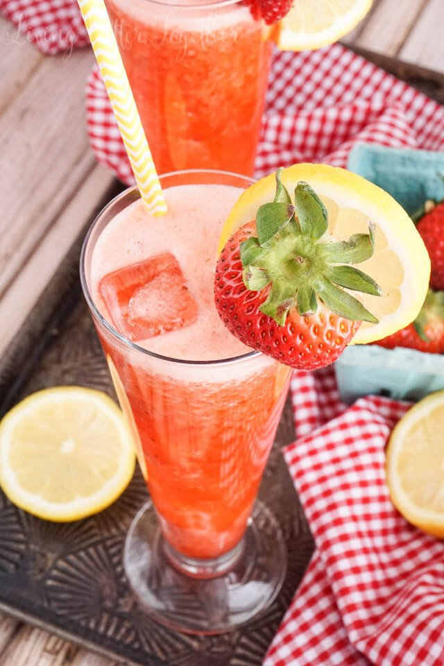 roasted-strawberry-lemonade-recipe-04146