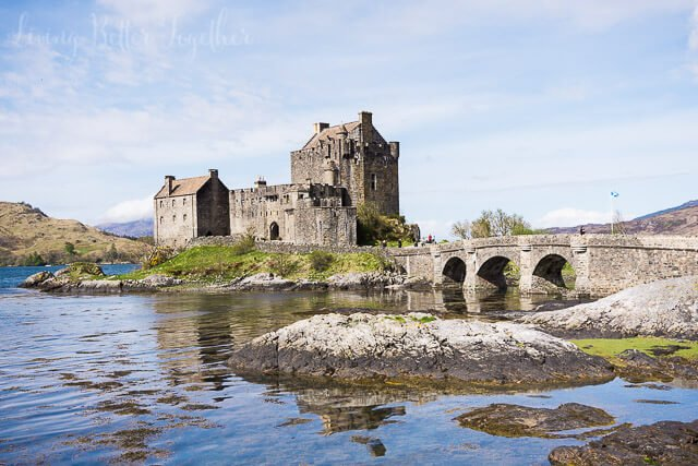Eilean Donan Castle - Planning a trip to Scotland? Check out some of the great hikes to do on the Isle of Skye where to stay!