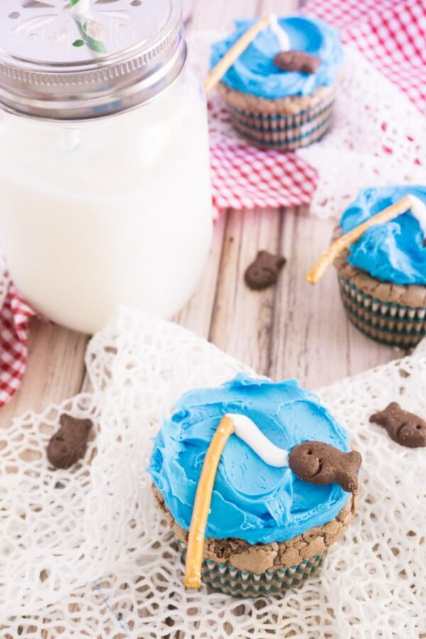 Goin' Fishing Brownie Cupcakes