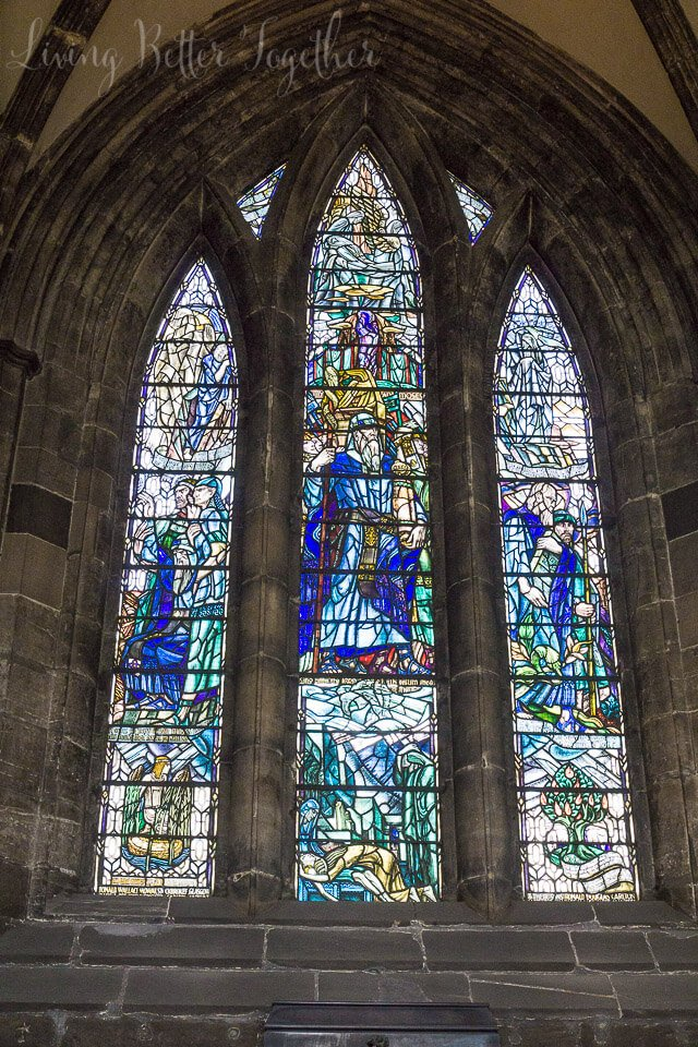 The Glasgow Cathedral is a MUST SEE, even if you aren't religious, the architecture and stained glass in itself will floor you. Breathtakingly stunning in every way.