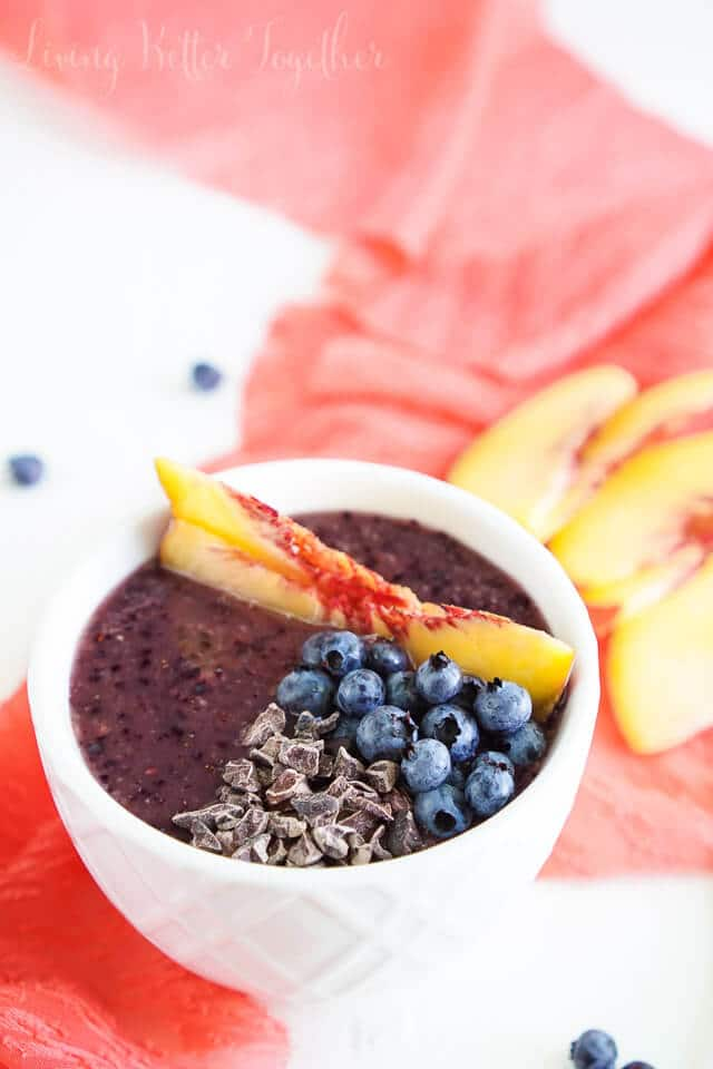 Blueberry Peach Smoothie Bowl