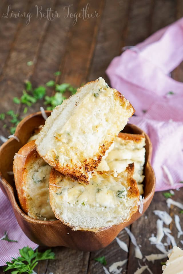 This 15-Minute Blue Cheese Garlic Bread is studded with flavor thanks to a vibrant blend of cheese, butter, and fresh herbs!
