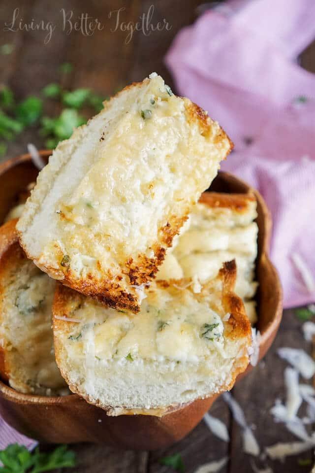 15-Minute Blue Cheese Garlic Bread