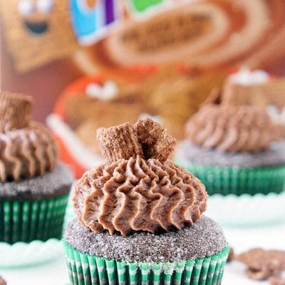 Chocolate Cinnamon Toast Crunch Cupcakes