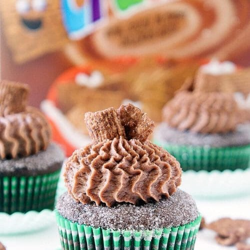 Chocolate Cinnamon Toast Crunch Cupcakes