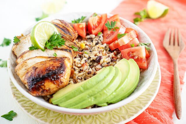 This Grilled Southwest Chicken and Suddenly Grain Salad is a great combo of juicy chicken, wholesome grains, and fresh veggies bursting with flavor! Have it on the table in 30 minutes!
