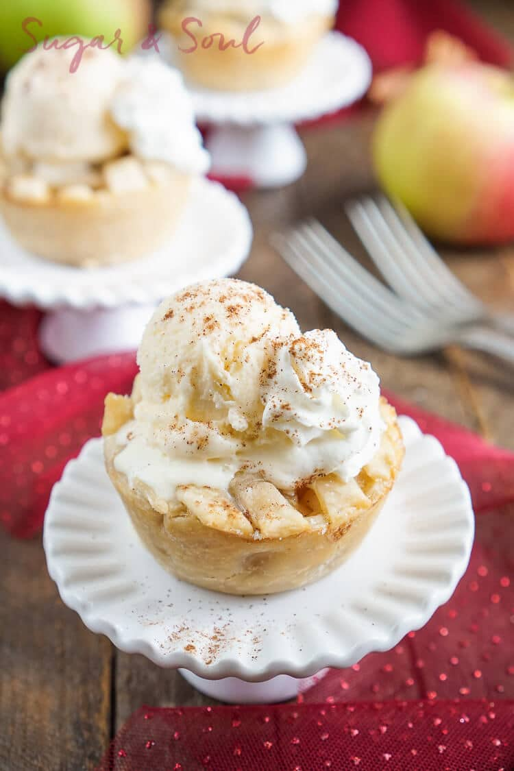 These Mini Apple Pie à la Mode are made with a premade pie crust and a sweet seasonal blend of apples and cinnamon.