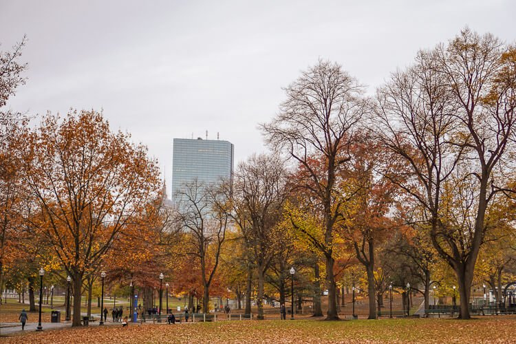 Take a little Weekend in Boston with the Amtrak Downeaster! What to see and do in just a couple days in one of the best cities in the country!