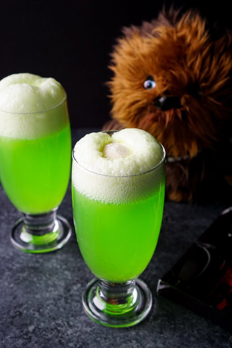 Easy 2-ingredient Star Wars Recipe - Yoda Soda Float