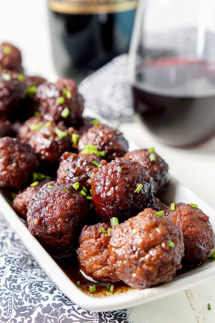 These Merlot Meatballs are made with a balsamic vinegar and Frontera Merlot wine reduction that's laced with garlic and honey for a flavor profile that will blow your traditional game day sauces out of the stadium!