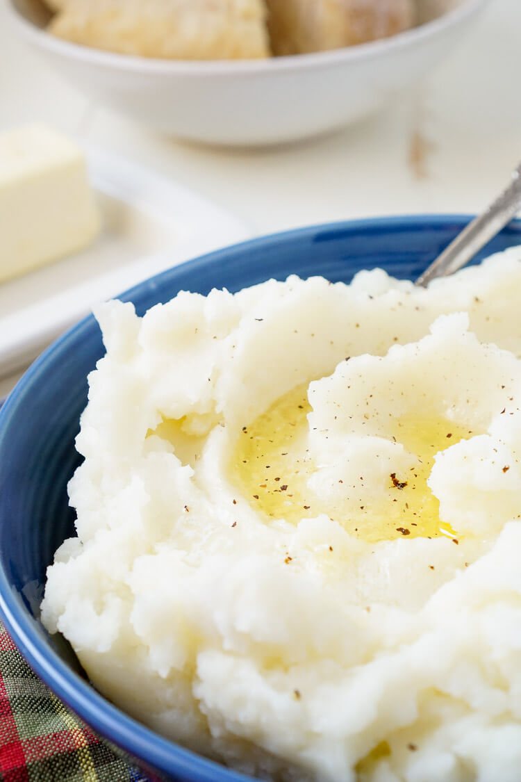 These are The Best Mashed Potatoes! Creamy, delicious, and perfect for dinner!
