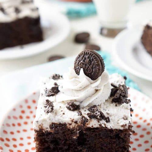 Easy Oreo Poke Cake