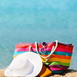Planning a Beach Vacation but not sure what to pack, here are the 10 things that MUST make it in your suitcase and beach bag!