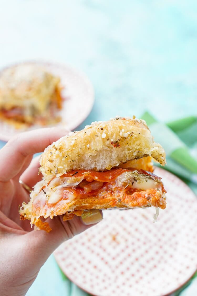 These Easy Pizza Sliders are so simple to make!
