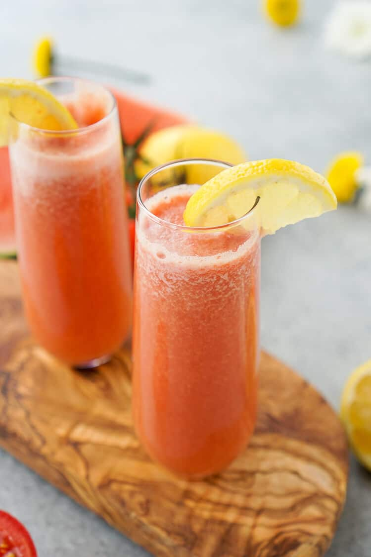 This Sunburn Vitality Juice is the perfect concoction of fresh fruit and skin protecting nutrients before a day in the sunshine!