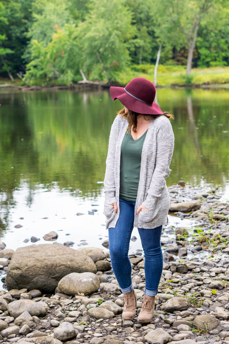 A Capsule Wardrobe can keep you looking fabulous all season long and reduce the time it takes to get ready for the day or pack for a trip!