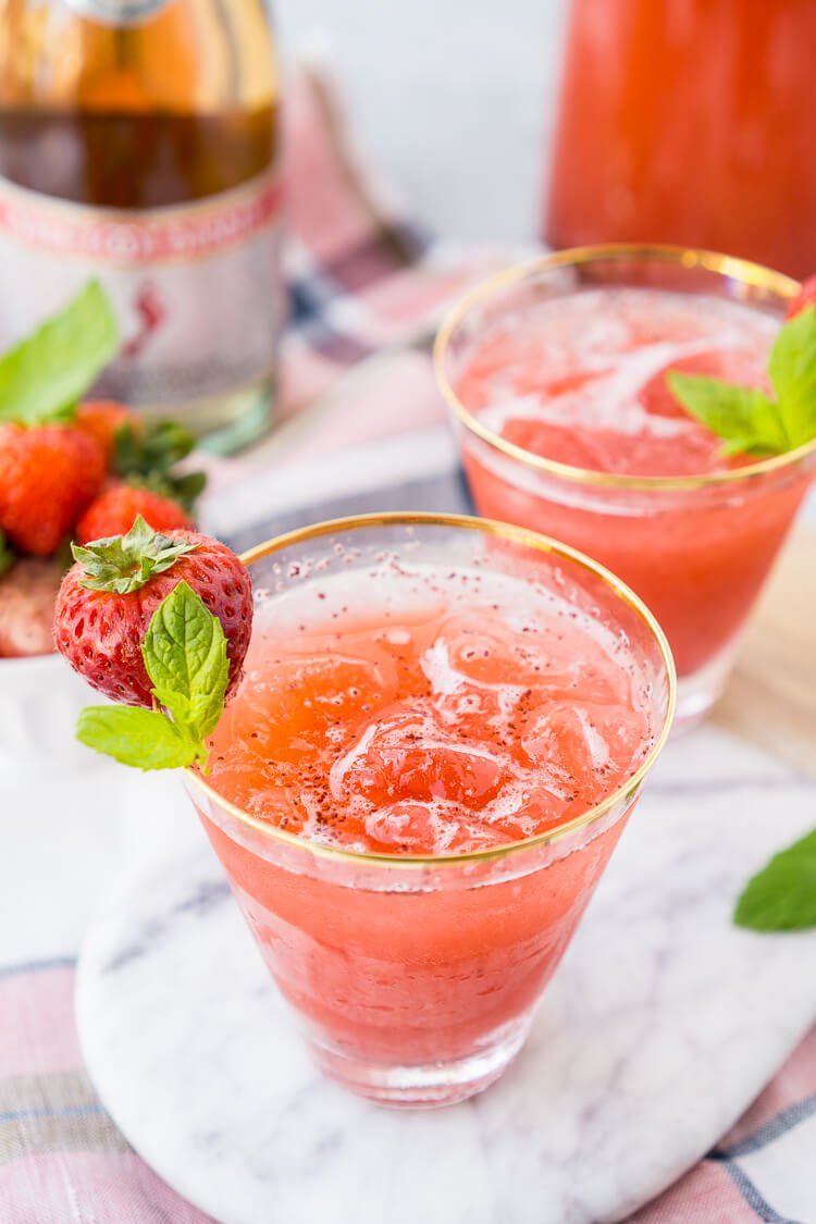 Strawberry champagne punch recipe sugar soul for Easy cocktail recipes for parties