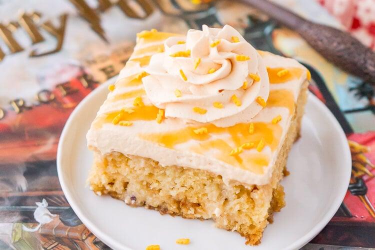 harry-potter-butterbeer-poke-cake-recipe-11