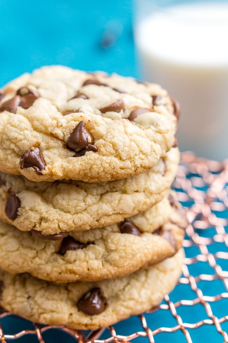 These Bakery Style Chocolate Chip Cookies are perfection! They're big ...