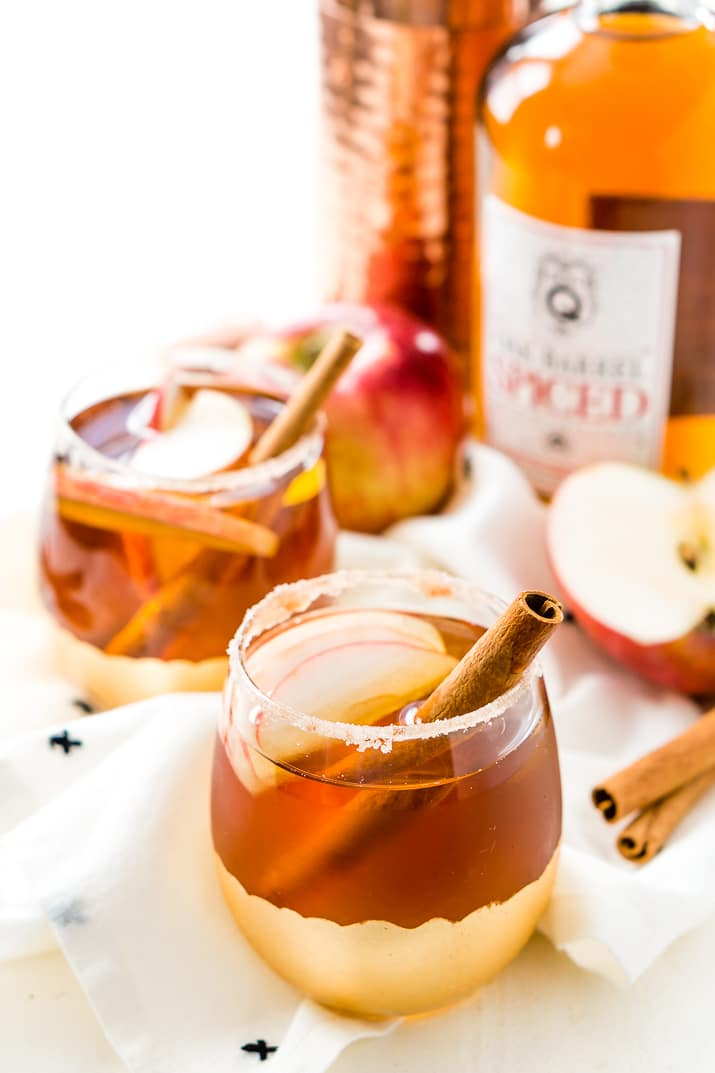 This Apple Crumble Cocktail is a delicious fall alcoholic drink you can make in minutes!