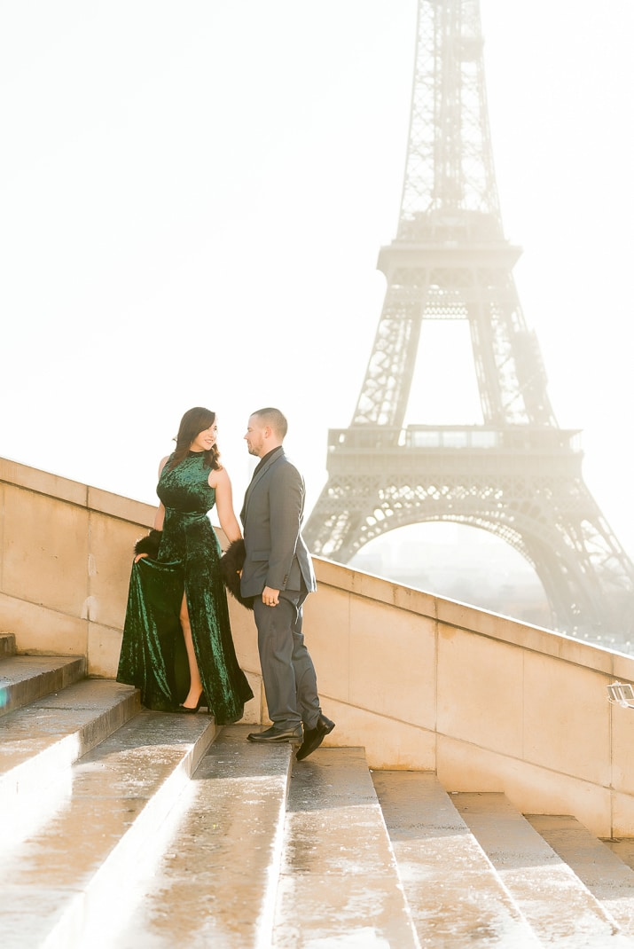Thinking about booking a Paris Photo Shoot during your trip? Here are some inspiration and tips for getting the most out of it!