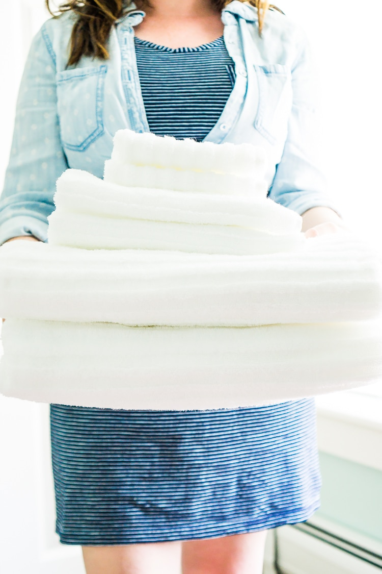 Want to know How To Prevent Whites From Fading? From treating stains to how to wash them on a regular basis, follow these 6 simple steps to ensure bright whites for all of your linens!
